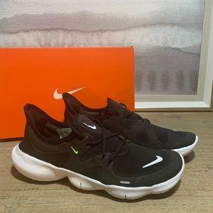 NEW Nike Free RN Black Running Shoe